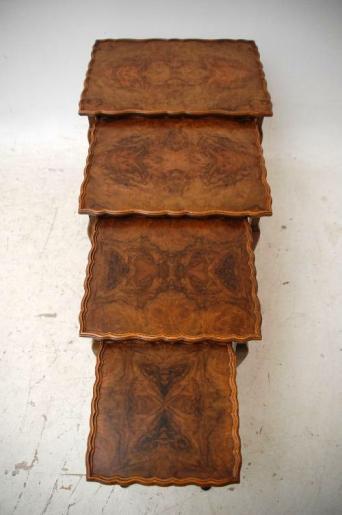 4 Antike Queen Anne Beistelltischchen