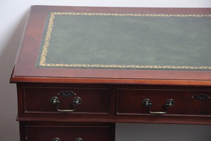 Mahagoni Schreibtisch England handpoliert Prägelederplatte
