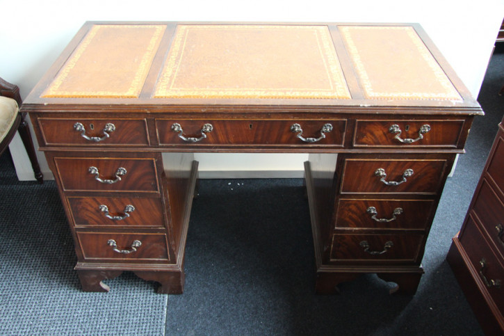 Schreibtisch mahagoni England Prägeleder