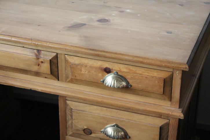 Schreibtisch Weichholz aus England gewachst lasiert