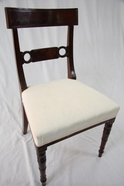 """Stuhl """"Schlichte Schönheit"""""""