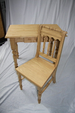Pinesite Ladies Desk and Chair