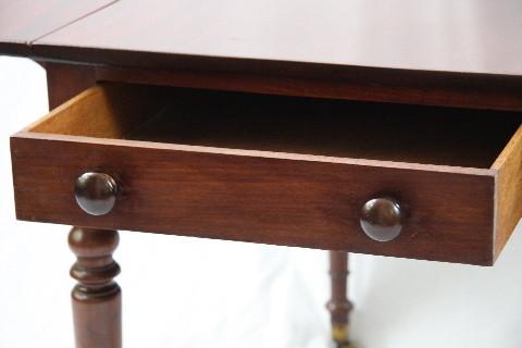 Pemborke Table