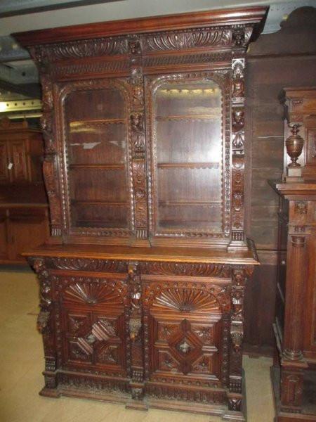 Antiker bretonischer Eßzimmer Wohnzimmerschrank