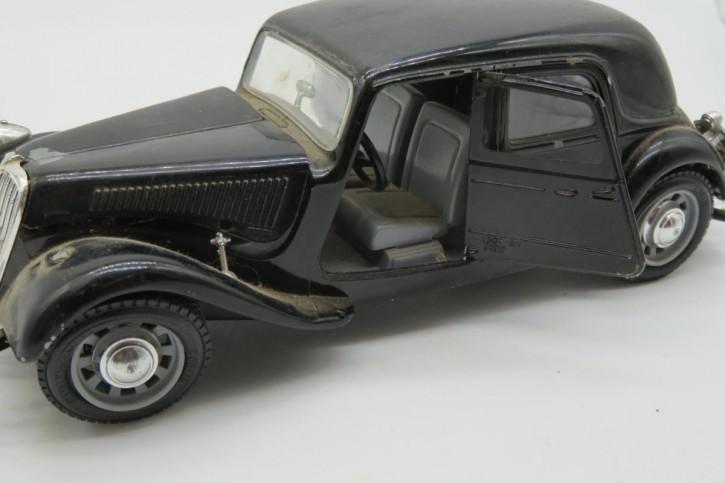 Original antikes Auto Modell von burago: Citroën T.A. 15 CV (1/24), 1938