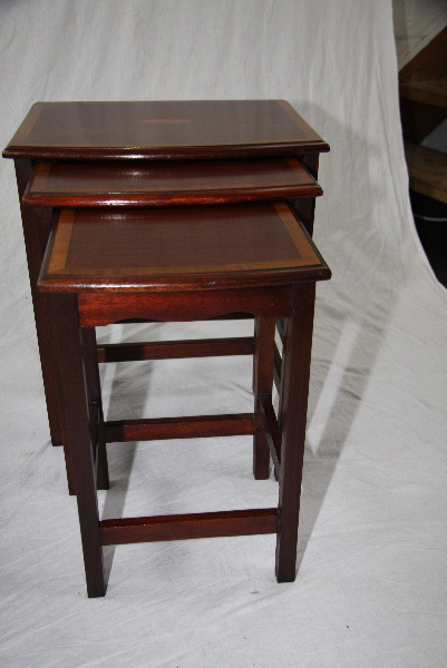 Nest os Tables Edwardian