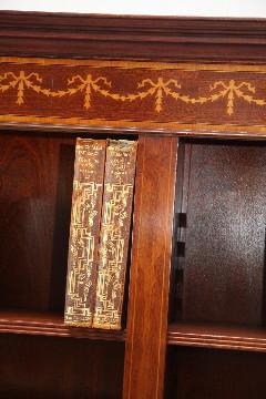 """""""Open Bookcase II"""" Flowers auch in Eibe erhältlich"""