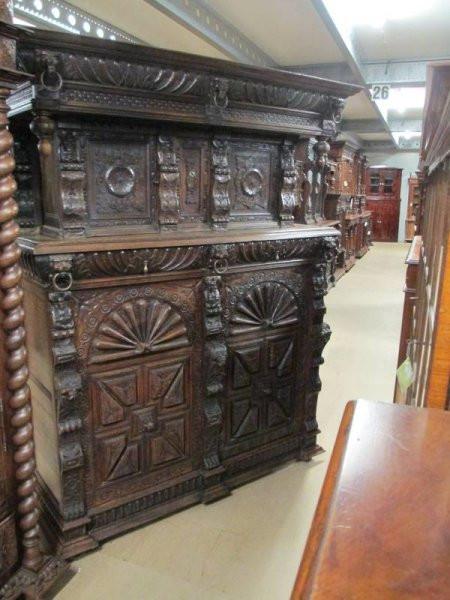 Bretonischer Esszimmer Wohnzimmerschrank antik
