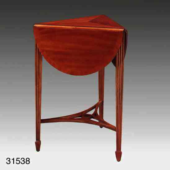 """""""Clover Leaf Table"""" - Kleiner Tisch"""