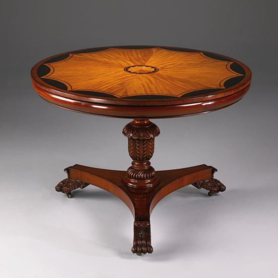 Runder Esstisch Windsor mit schöner Holzverzierung