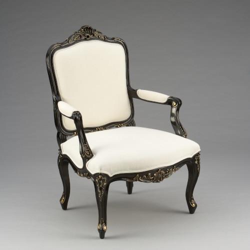 Französischer Stuhl mit Gold