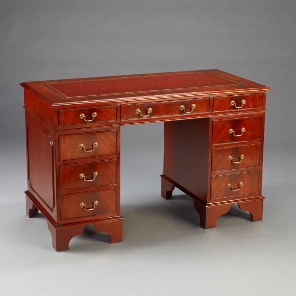 Kleiner englischer kniehöhe Schreibtisch