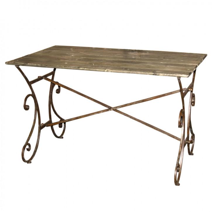 Geräumiger Tisch