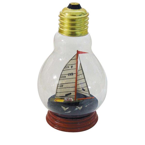 Segleryacht in der Glühbirne, H: 11,5cm