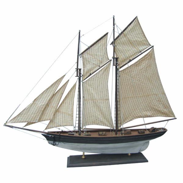 Segel-Yacht, Holz mit Stoffsegel, L: 85cm, H: 72cm - Modell komplett auf alt gemacht