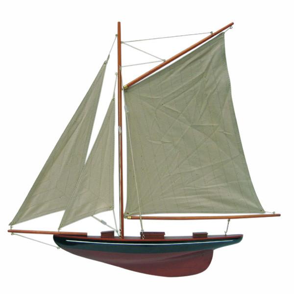Segel-Yacht, Halbmodell, schwarz/weinrot, Holz mit Stoffsegel, L: 56cm, H: 52cm