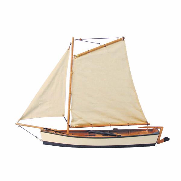 Fischerboot, Holz mit Stoffsegel, L: 45cm, H: 32cm