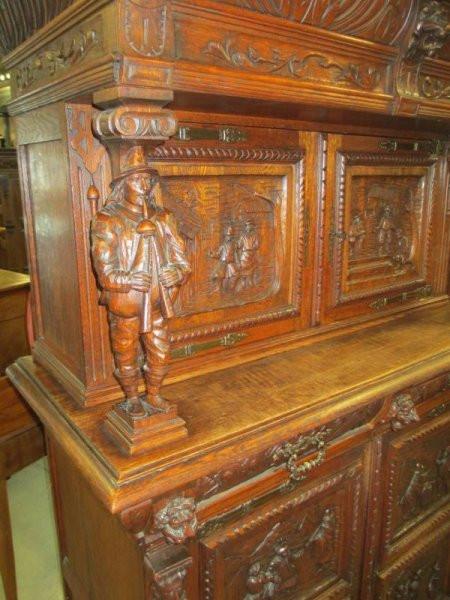 Wohnzimmer Esszimmerschrank antik bretonisch
