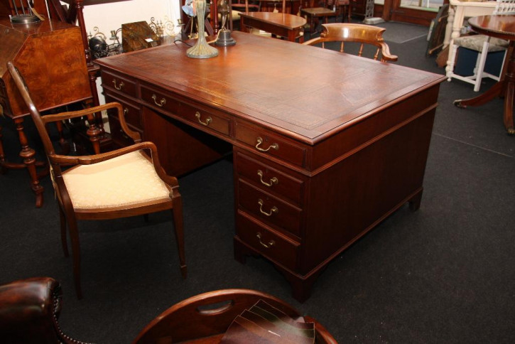 Pedastal Desk Partners Original mit 18 Schubladen