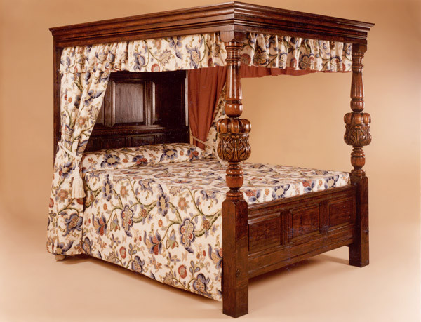 Joined Four Poster Bed - Carved Column