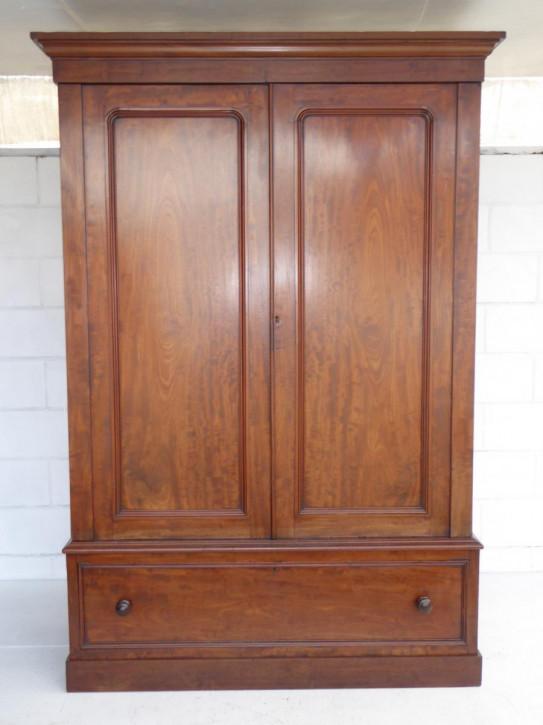 Schöner original viktorianischer Massivholz Mahagoni Kleiderschrank