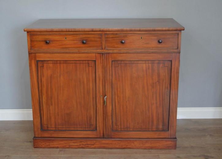 Original viktorianisches Mahagoni Sideboard / Wäscheschrank Massivholz