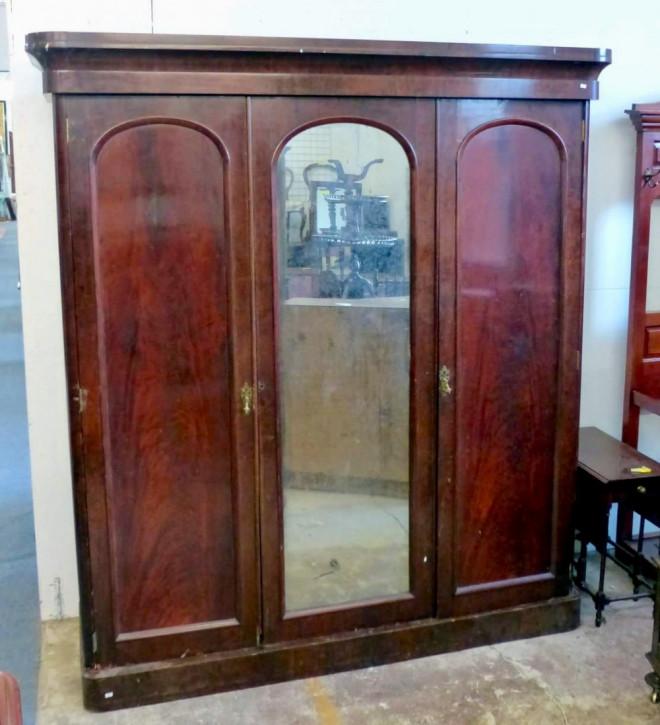 Schöner viktorianischer Mahagoni Kleiderschrank Original Massivholz