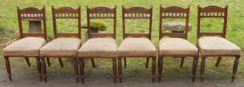 Satz von sechs original edwardian geschnitzten Nussbaum Esszimmerstühlen von ca. 1890