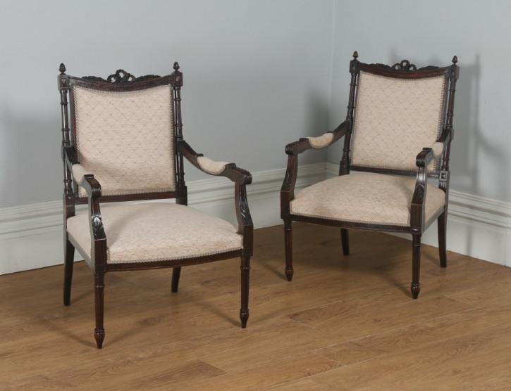 Französische antike Sessel aus Nussbaumholz, Stil Louis XVI, original von ca. 1880