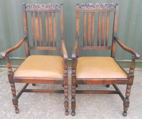 Zwei Armlehnensessel aus Eiche, original von 1920