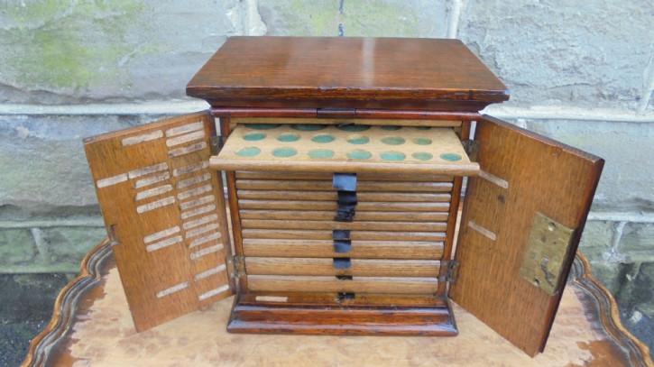Antiker Sammlerschrank Beistelltisch Schrank Original Eiche