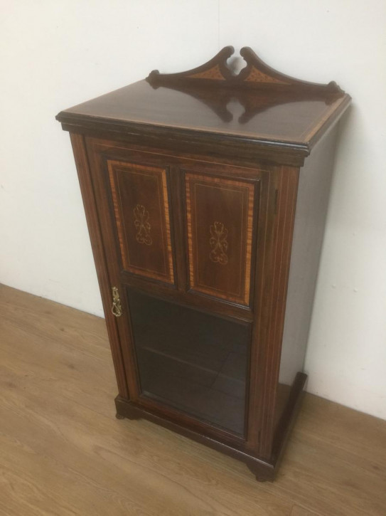 19. Jahrhundert Mahagoni glasiertes Sideboard/music cabinet