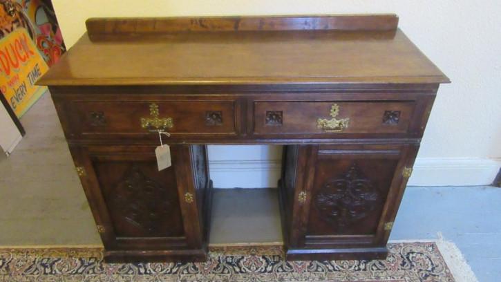 Antiker arts & crafts Schreibtisch mit Knieloch aus Eiche von ca. 1900