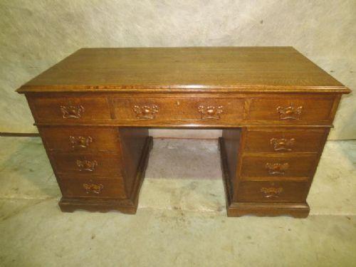 edwardianischer antiker Schreibtisch aus Eiche mit Knieloch von ca. 1900