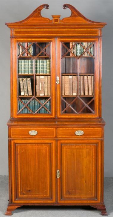 Sheraton revival Bücherschrank von ca. 1910