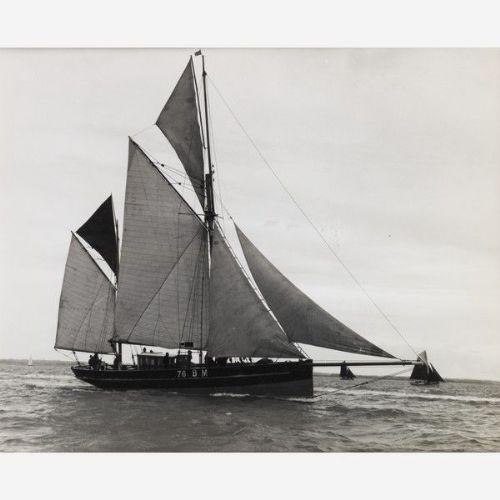 Früher fotografischer Druck von Beken von Cowes - Brixam Segel Trawler BM76 von ca. 1890