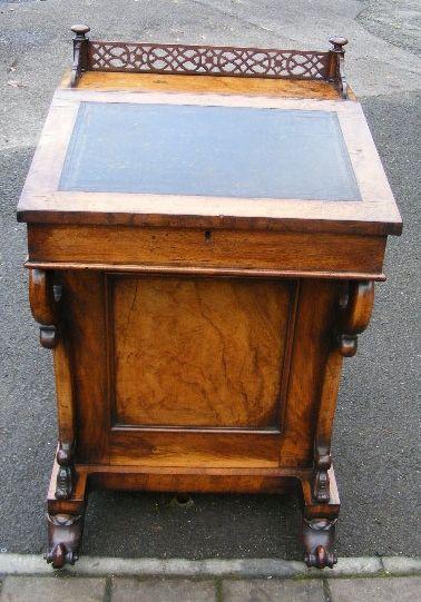 Attraktiver viktorianischer antiker Davenport Schreibtisch, Walnuss, 19. Jahrhundert