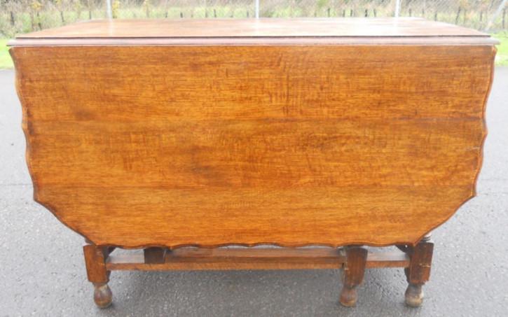 Großer auklappbarer Esstisch aus Eichenholz von ca. 1920