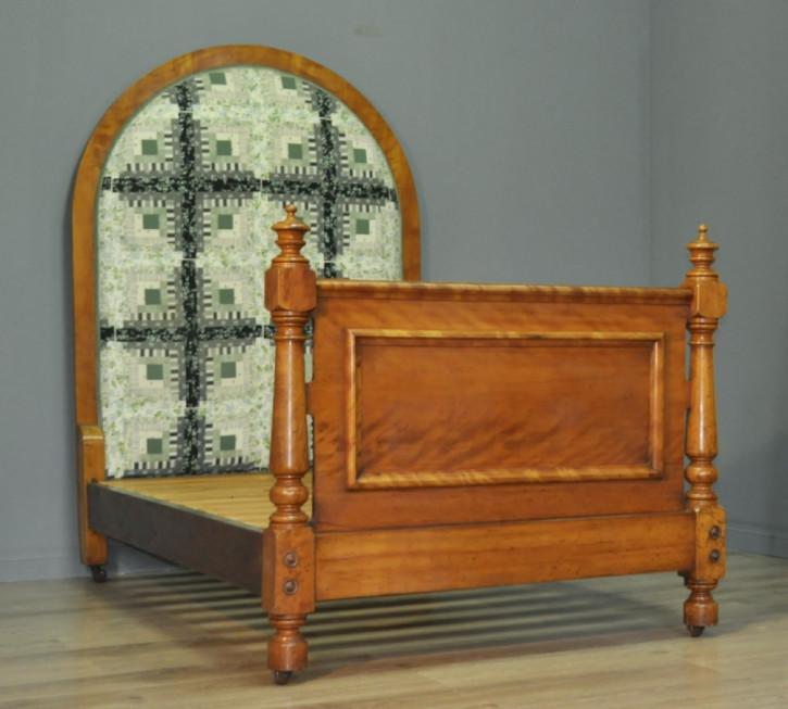 Attraktives großes Bett, Viktorianisch 19. Jahrhundert, Mahagoni