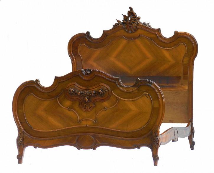 Französisches antikes englisches Bett, 19. Jahrhundert, Walnuss, Rokoko