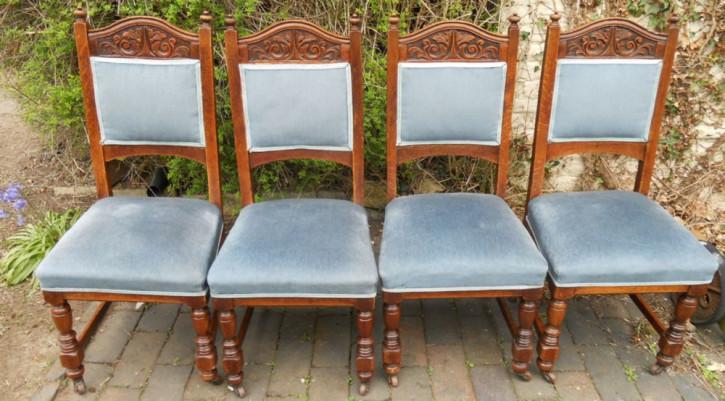 Ein Satz von vier edwardianischen Esszimmer Stühlen aus Eiche von ca. 1890