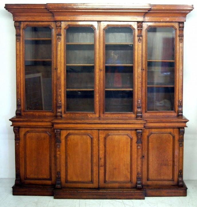 Ein gutes viktorianisches 4-türiges Bücherregal aus Eiche von ca. 1870