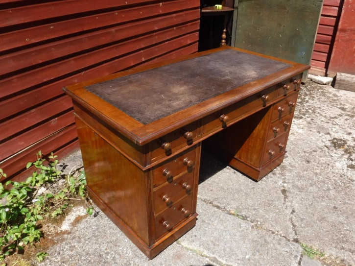 Schöner spätviktorianischer Schreibtisch original englisch Massivholz 1890