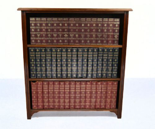 Antiker Original Englischer Viktorianischer Offener Bücherschrank aus massivem Nussbaum von ca. 1890