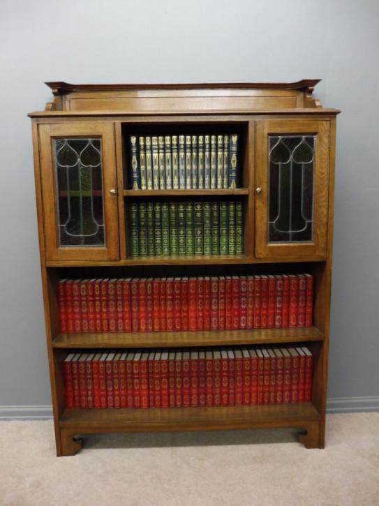 Original Englisches Antikes arts and crafts Bücherregal aus massivem Eichenholz von ca. 1900