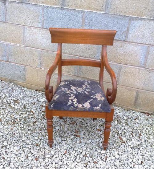 Antiker Englischer Mahagoni Arm Stuhl aus dem 19. JH
