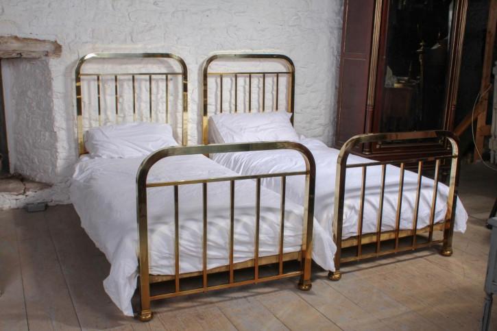 Antikes Paar französischer Einzelbetten Betten Messing 1920