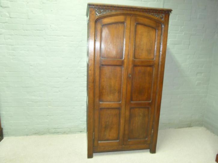 Schöner original antiker Kleiderschrank Eiche englisch 1840