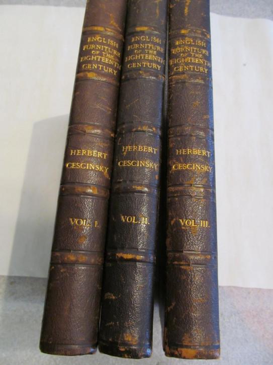 Englische Bücher Möbelkunde drei Stück original antik 1920