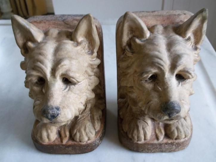 Original antike englische Gips Bücherstützen mit Terrier 1920
